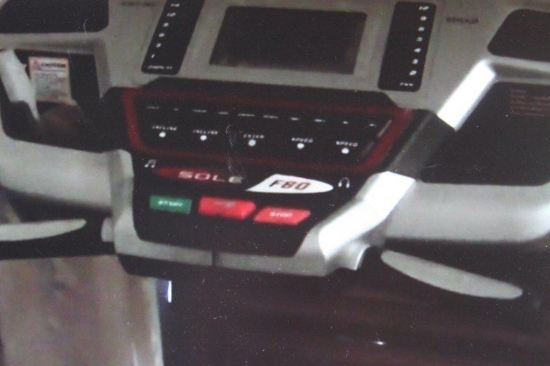 sole f80 treadmill console 1